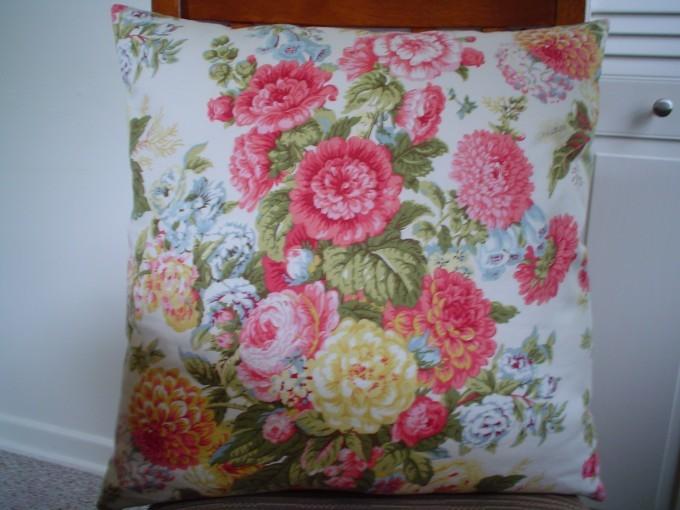 My pillow from Nehzat's pattern
